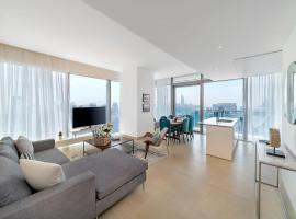 Atlas Homestays - Luxurious 3 Bedroom Home at Marina Gate 2 Residences, hotel conveniente a Dubai