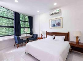 BHOME Dinh Cong Trang, hotel near Tan Dinh Market, Ho Chi Minh City