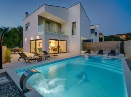 Beach Front Villa Ena 30m. from Sea, hotel with pools in Klimno