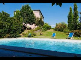 Cozy Tuscan Paradise, hotel in Pistoia