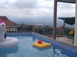 Oemah Arma Rinjani 2, family hotel in Batu