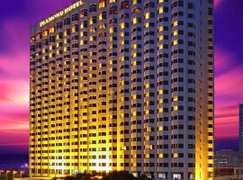 Diamond Hotel Philippines, hotel malapit sa Binondo, Maynila