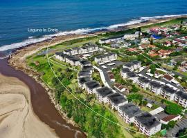 Laguna la Crete 74 & 90, apartment in Margate