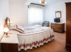 HOTELBARCELONA, hotel en Ourense