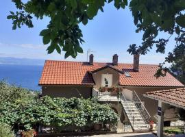 Apartments Viktoria, pet-friendly hotel in Lovran