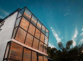 Flores Passport House, pet-friendly hotel in Ende
