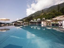 Quellenhof Luxury Resort Passeier, golf hotel in San Martino