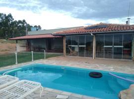 Rancho Fazenda Vista Alegre, holiday home in Capitólio