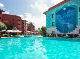 Selina Cancun Laguna Hotel Zone, hotel near National park El Garrafón, Cancún