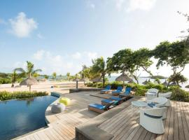 Radisson Blu Azuri Resort & Spa, hotel in Roches Noires