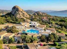 Hotel Grand Relais Dei Nuraghi, hotel in Baja Sardinia