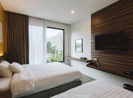 TOBEDzZ HOTEL, hotel in Ranong
