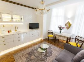 Luxury Apartment Pod Żyrandolem, hotel di lusso a Cracovia