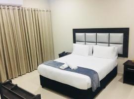 33 on Bazley - Al Hamra Bazley, hotel near Beachwood Golf Club, Durban