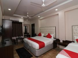 OYO 27802 Hotel Boom Room, hotel near Red Fort, New Delhi