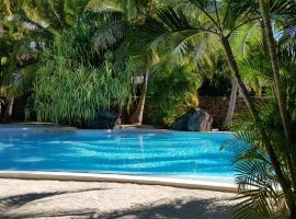 Villa Royal Palms Moorea and studio, hotel in Papetoai