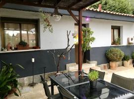 Cottage Las Matas, budget hotel in Las Rozas de Madrid