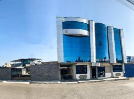 Hotel Quezada Hermanos, hotel in Santo Domingo de los Colorados