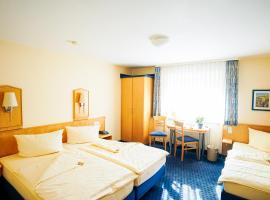 Hotel Sauer Garni, hotel near Sportpark Alicestraße, Neu Isenburg