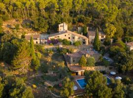 Masia Can Pou, country house in Canet de Adri
