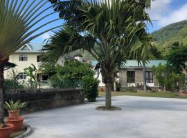 Flower Garden Self-Catering Apartments, hotel near Seychelles National Botanical Gardens, Beau Vallon