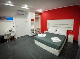 Soave Rooms, hotel in Naples
