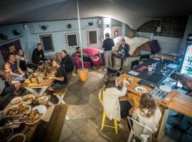 Atlantic Point Backpackers, hostel in Cape Town
