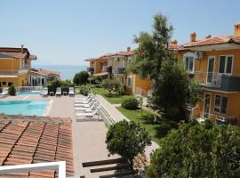 MERVEILLE SUIT HOTEL, hotel in Kuşadası