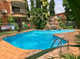 LUXOR GARDEN APARTMENTS, lodge in Accra
