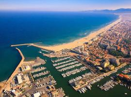 Camping du Mar Estang, campground in Canet-en-Roussillon