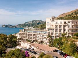 Hotel Antares, hotel a Letoianni