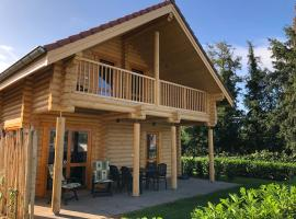 Camping High Chaparral, budget hotel in Oirsbeek