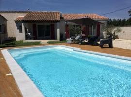Très jolie location vacances climatisée, 6 personnes proche des Baux de Provence, située au coeur des Alpilles à Mouriès, LS1-312 Clarta, holiday home in Mouriès