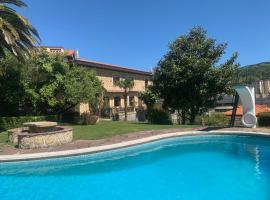 Casa señorial a 5 minutos del centro, hotel con piscina en San Sebastián
