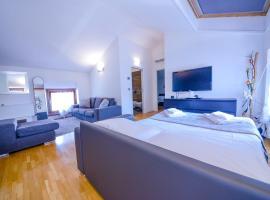 King Of The Lake, apartment in Riva del Garda
