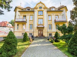 Hotel Bella, hotel near Kulak Paark, Jelenia Góra