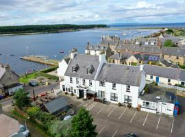 Crown and Anchor Inn, hotel near Elgin Cathedral, Findhorn