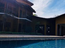 Pousada In Bali, hotel near SIRENA - MARESIAS DISCO, Maresias