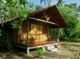 Mutiara Beach Resort, hotel di Berakit