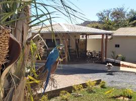 POUSADA CANTO DOS PÁSSAROS, guest house in Alto Paraíso de Goiás