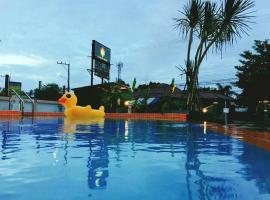 Xanadu Hotel U Tapao, hotel near U-Tapao Rayong-Pattaya International Airport - UTP, Ban Chang