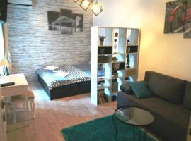 Sara-mala Apartments, ξενοδοχείο κοντά σε Knez Mihailova Street, Βελιγράδι