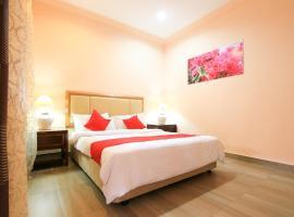 OYO 44084 Ombak Inn Chalet, hotel in Pangkor