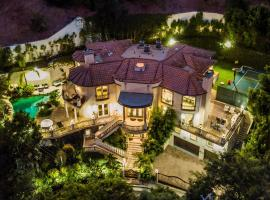 Family Only Lavish Beverly Hills Home with Pool, pet-friendly hotel in Los Angeles