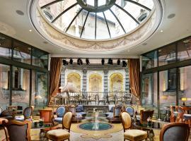 Château Monfort - Relais & Châteaux, pet-friendly hotel in Milan