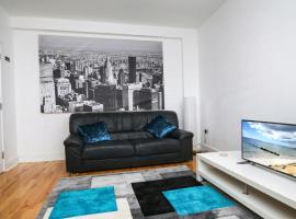 Executive 1 bedroom city centre apartment in private building, hotel in Galway