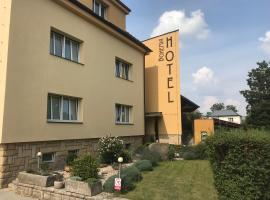 Hotel Bohemia, hotel in Jičín