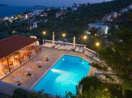 Fengeros Village, hotel in Megali Ammos