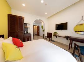 Chez Mimosa Petite, hotel near Landmark 81, Ho Chi Minh City