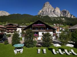 Mountain B&B - La Scalira, hotel in Corvara in Badia